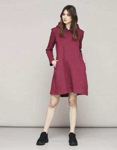 Fleece hoodie dress with shoulder pads and cupro insterts